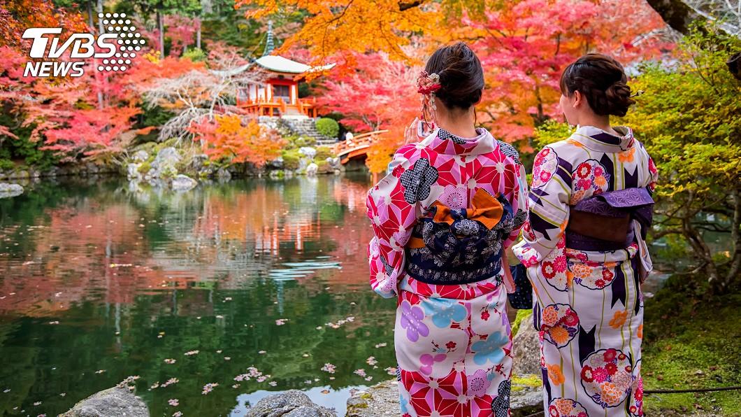 新冠肺炎(COVID-19)疫情在日本延燒。(示意圖/TVBS) 日本掀衛生棉之亂!櫻花妹見價格傻眼…網嘆:神話破滅