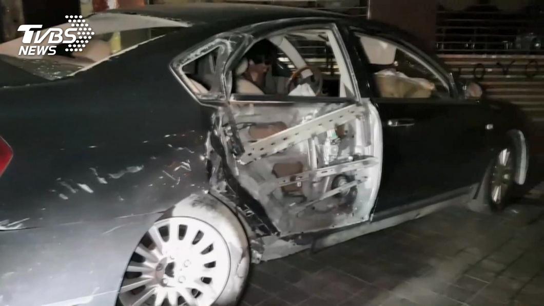 圖/TVBS 「我剛剛吸毒」!男開車衝進騎樓 險撞路人