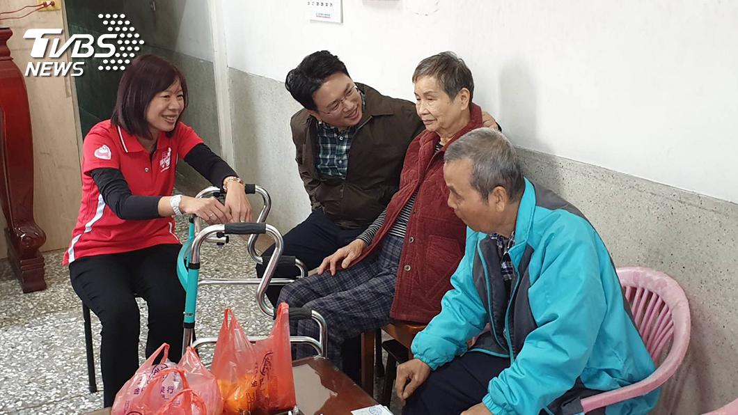 圖/TVBS提供 不捨「老老照護」 TVBS網紅江坤俊籲「捐零錢護老」