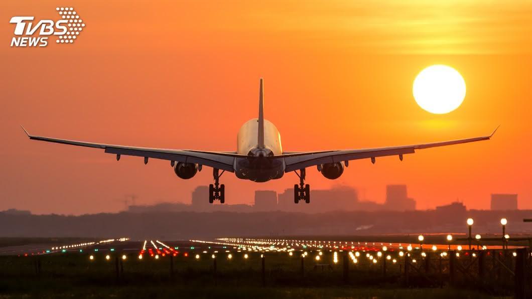中國要求旅客,必須憑5天內完成核酸檢測陰性證明才能登機。(示意圖/shutterstock 達志影像) 中國要求入境者 須憑5天內核酸檢測證明登機