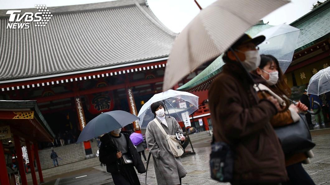圖/達志影像路透社 抗疫面臨口罩荒 日本政府禁止民眾轉售