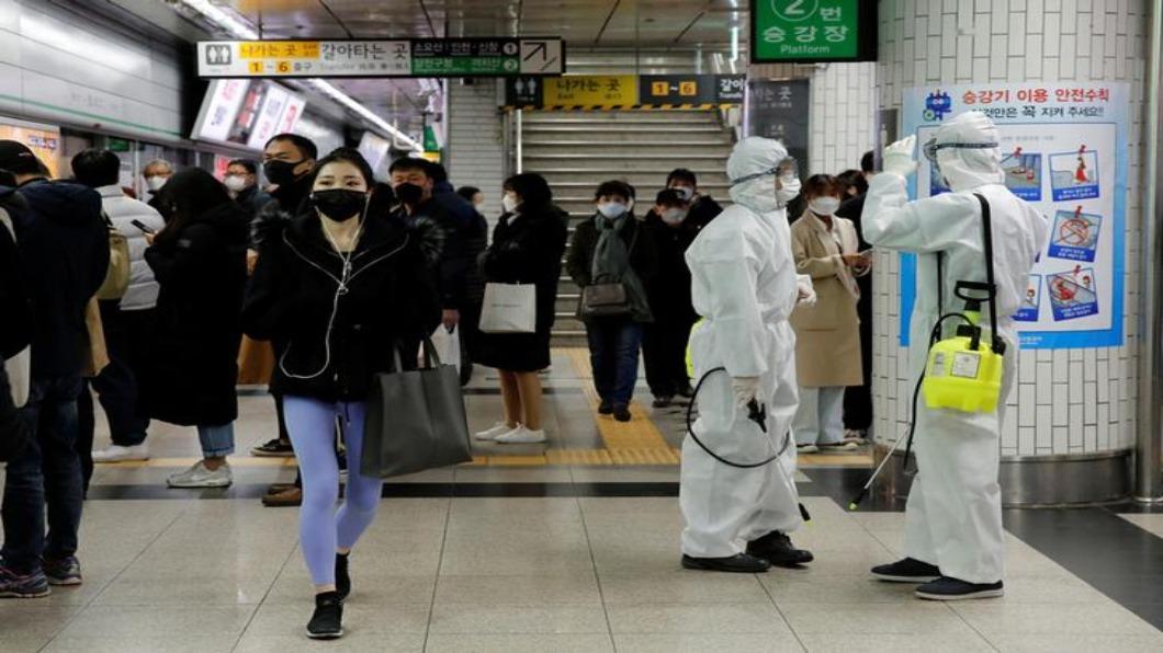 圖/達志影像路透 韓群聚感染難控 首爾市清查客服中心