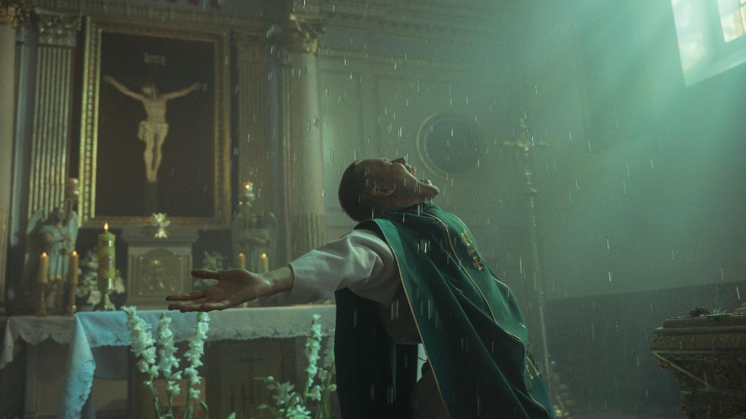 圖/畫面提供 聯影電影 更生人偽裝神父迷惘 謊言下如何重生