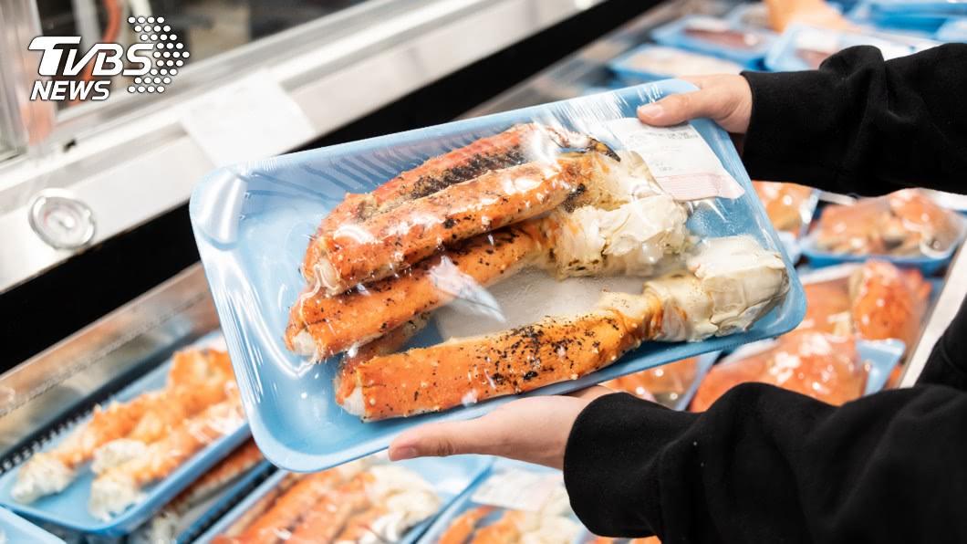 許多人為了健康及省錢會選擇購買食材自己煮。(示意圖/TVBS) 超市驚見「半價螃蟹」大逃亡 眾人笑歪:不滿被促銷