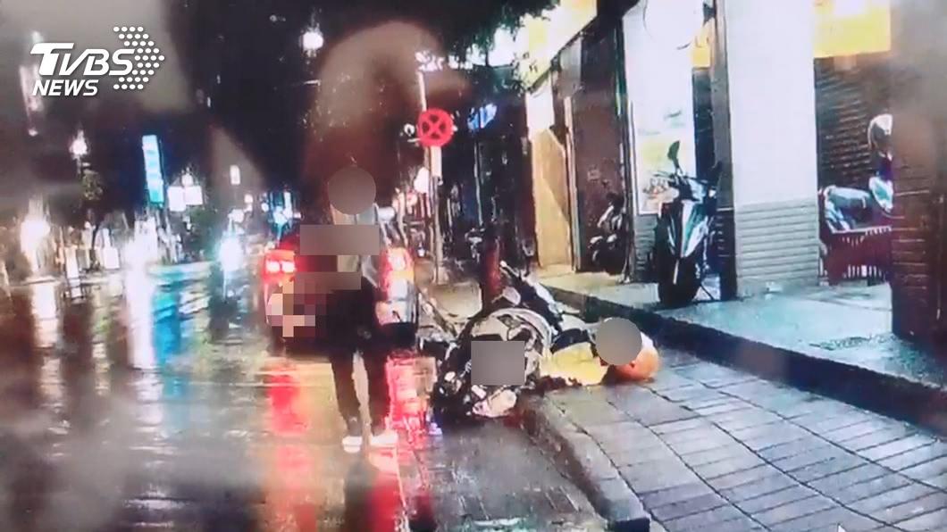 王嫌街頭刺死無辜騎士。(圖/TVBS資料畫面) 新店隨機殺人聲請精神鑑定 家屬悲憤淚問:天理何在