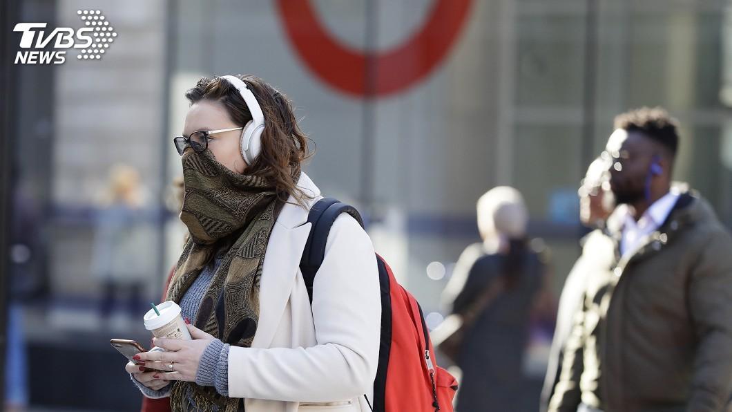 圖/達志影像美聯社 英政府報告外洩 疫情恐明年春結束800萬人住院
