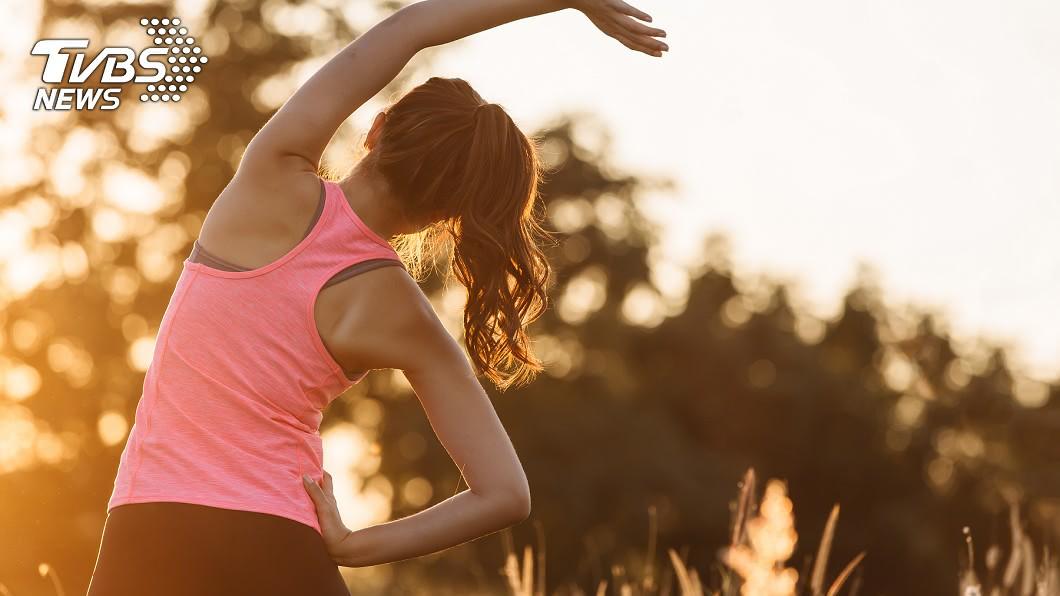 運動可以增強免疫力,但有專家指出「過度運動」可能更容易染病。(示意圖/TVBS) 過度運動恐「喪失免疫力」?專家呼籲:適度就好