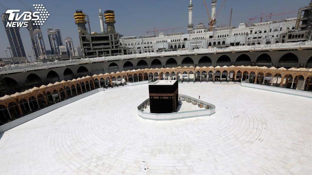 圖/達志影像路透社 沙烏地阿拉伯防疫 除2聖地外暫停清真寺禮拜
