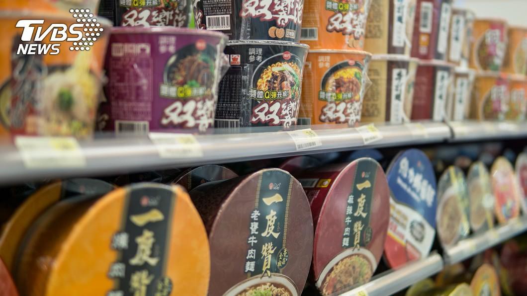 (示意圖/TVBS) 全台賣場爆搶購潮!他籲不要囤食物…揭「10物」更重要