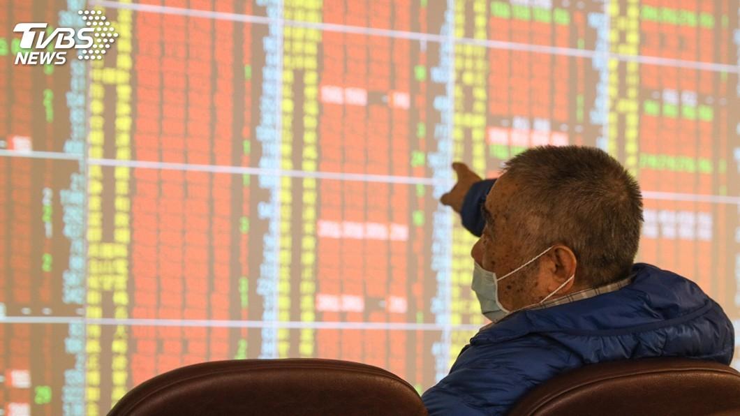 (圖/中央社) 台積電股價飆至559元 領軍台股重返萬五關卡