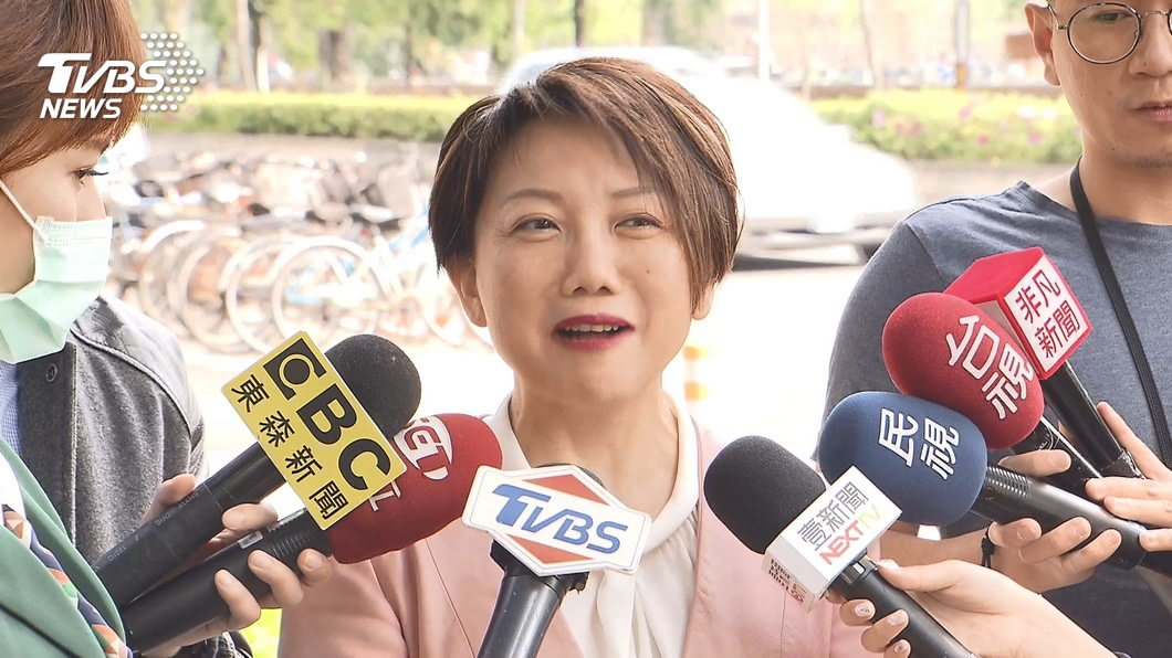 民進黨立委范雲遭質疑雙重標準。(圖/TVBS資料畫面) 臉書遭灌爆「雙標雲」 議員曝:范雲這次傷很重