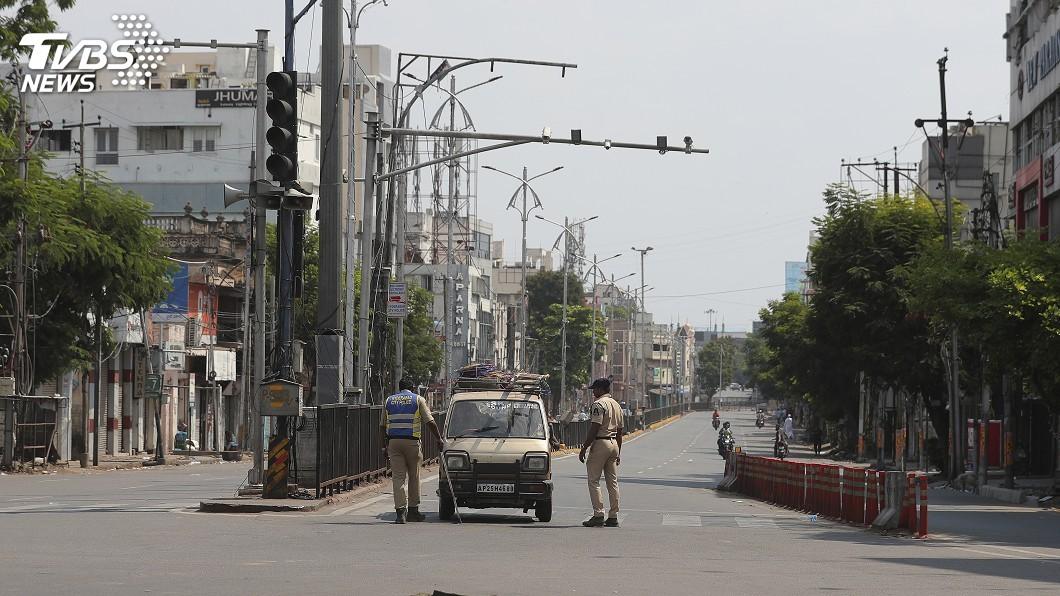 圖/達志影像美聯社 印度首都和逾20省市封城到月底 工廠停擺