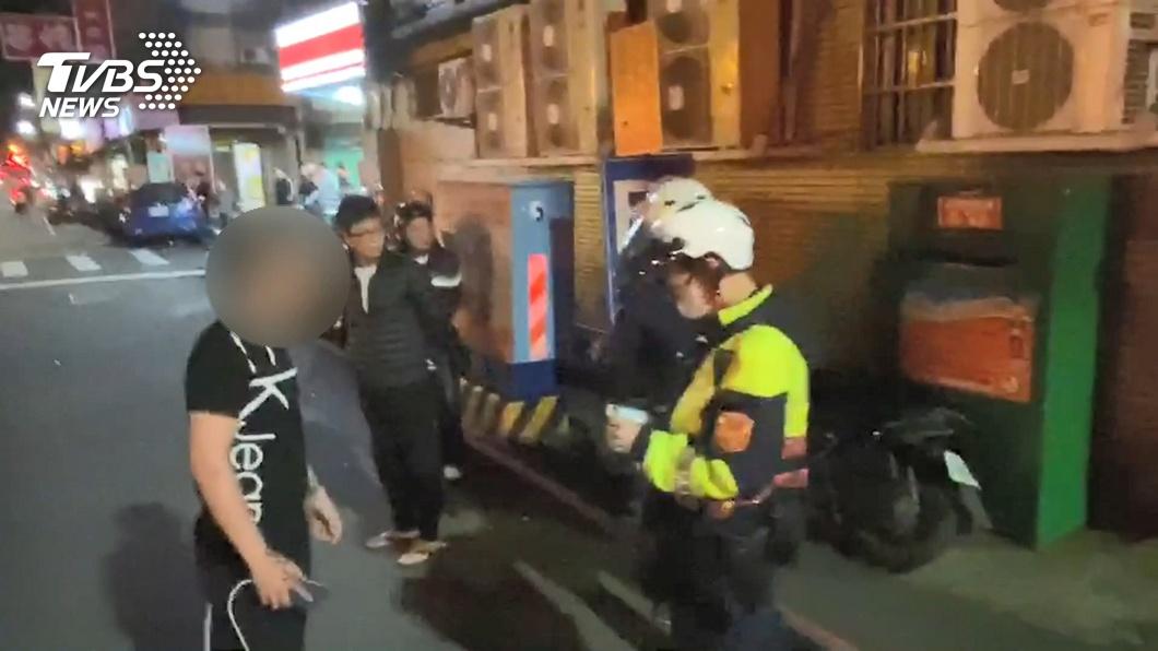 圖/TVBS 囂張!無照撞飛騎士 駕駛撂人竟嗆殺家屬