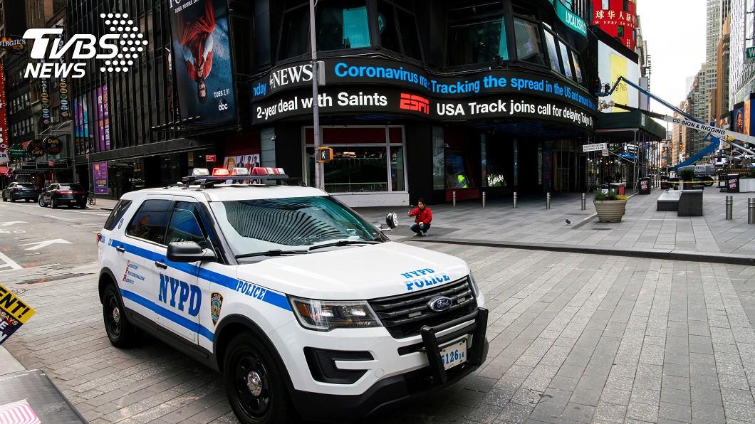 圖/路透社 美破6.8萬確診逾千死 紐約警、美軍淪陷