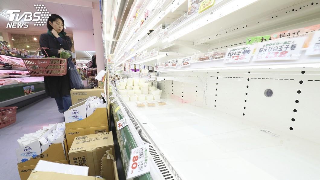 圖/達志影像美聯社 日官方籲冷靜 敵不過東京人憂封城搶購物資
