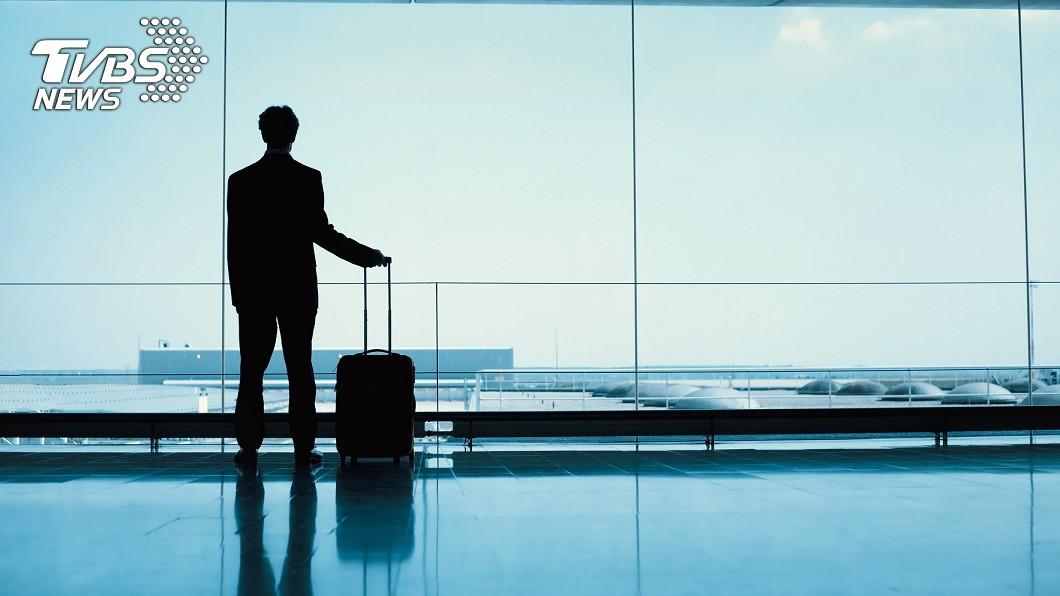 台灣日前禁止外國旅客轉機,卻有班機不慎將旅客載到桃機。(示意圖/TVBS) 3老外來台轉機釀悲劇!慘演台灣版「航站情緣」