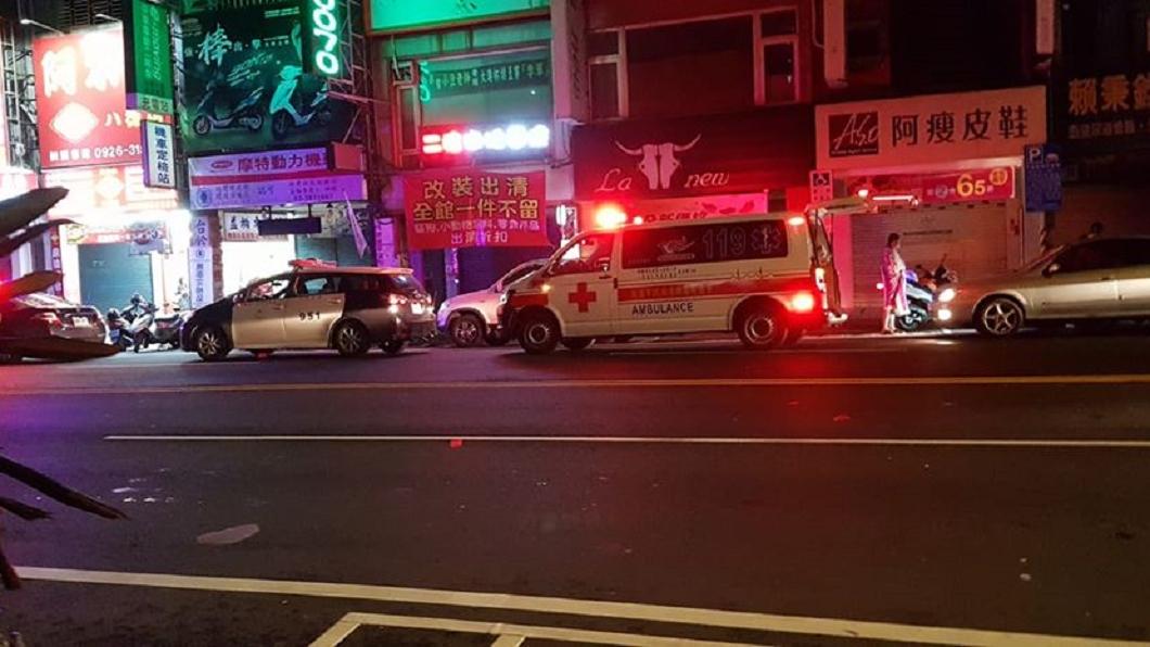 圖/翻攝自臉書社團記憶八德 酒駕男拒檢高速撞警 警開槍流彈誤擊斃後座女乘客