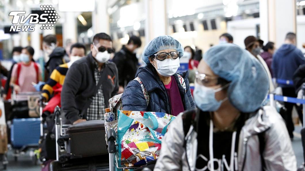 圖/達志影像路透社 疫情加劇該戴口罩嗎? 加拿大官員:沒病不用戴