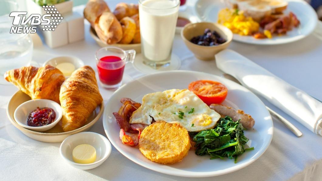 若早晨來上一份美味的早餐,必定能帶來滿滿的元氣。(示意圖/TVBS) 乾淨又衛生…麥當勞狂勝早餐店? 掀兩派網友論戰