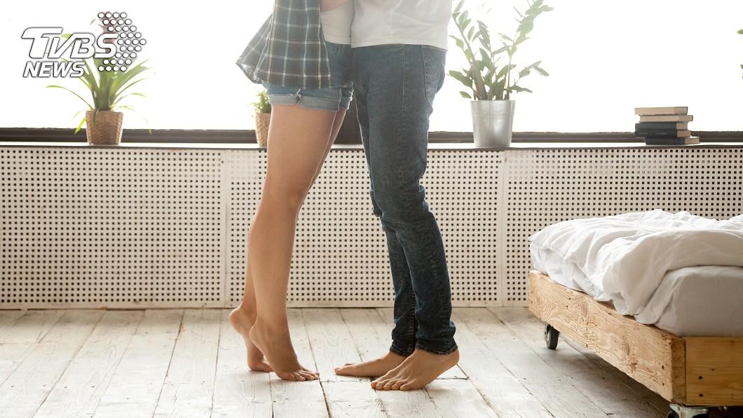 1名男子竟背著好友和對方妻子暗通款曲10多年。(TVBS資料示意圖) 偷吃朋友妻10幾年每週摩鐵激戰 小王嗆:恁某麻呷意