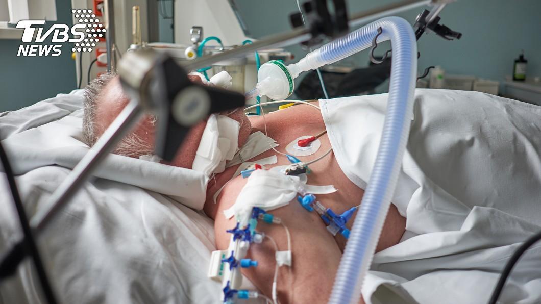 90歲高齡老奶奶希望醫師將呼吸器留給其他人 (示意圖/TVBS) 拒呼吸器...留給年輕人 老奶奶「活夠久了」2天後逝