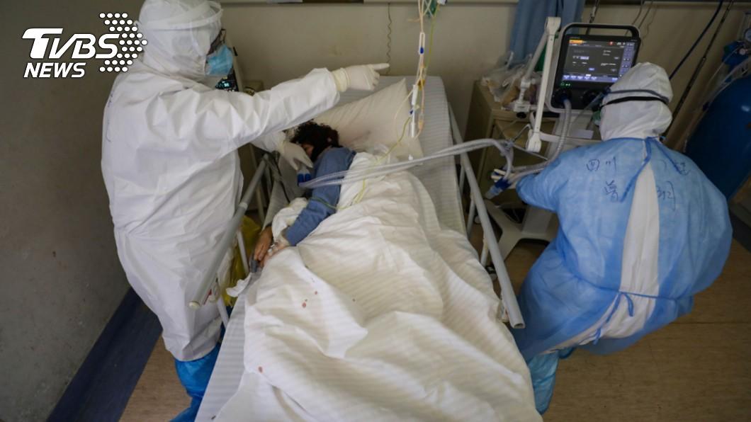 圖片與本事件無關。(圖/達志影像路透社) 她染新冠4天說不出話 醫憂「病毒侵腦」:非死即重傷