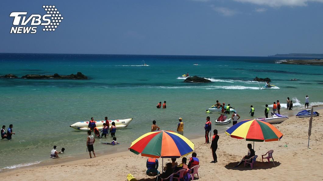 許多人趁清明連假外出遊玩。(示意圖/TVBS) 國旅警覺性「等同出國」 就醫須告知旅遊史