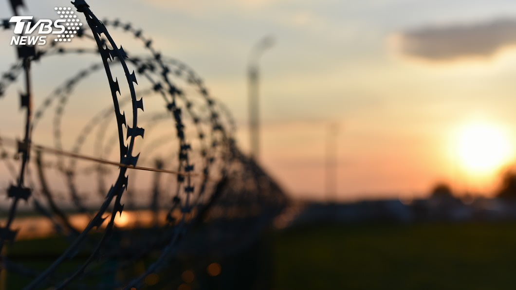 (示意圖/shutterstock 達志影像) 「收容替代處分」成隱憂? 移民署管控有治安疑慮對象
