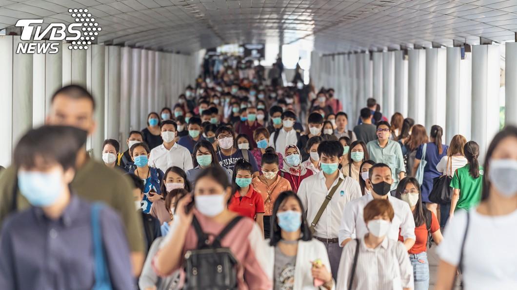 新冠肺炎(COVID-19)疫情延燒。(示意圖/TVBS) 五一連假放不放?苦苓「台人懂自律」…網:別高估素質