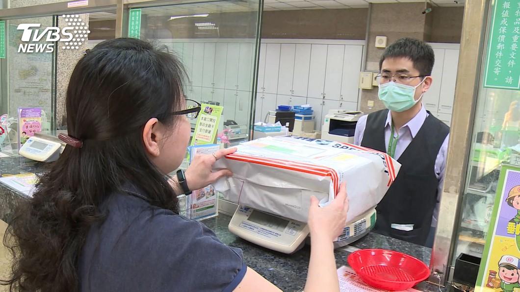 圖/TVBS 經郵局寄口罩給海外親人 8成5寄到美國、日本