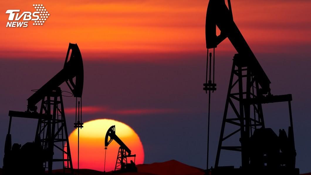 西德州中級原油價格上漲。(示意圖/shutterstock 達志影像) 德州寒流引發供應疑慮 WTI油價每桶漲破60美元