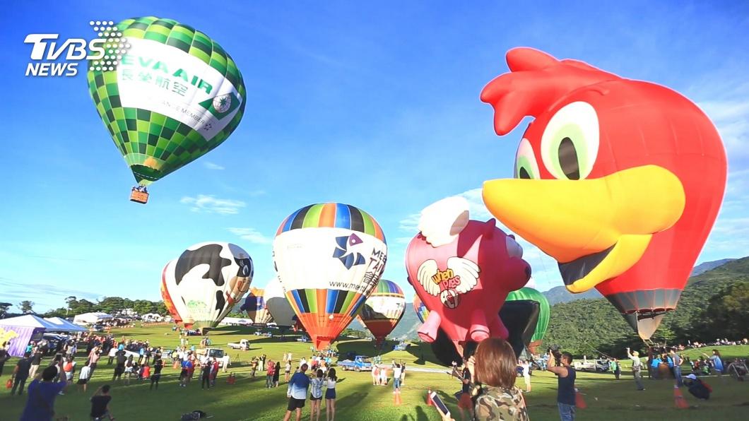 台東今年國際熱氣球嘉年華將於7月11日揭幕。(圖/TVBS資料畫面) 台東熱氣球節將登場 飯店、航空祭優惠搶客