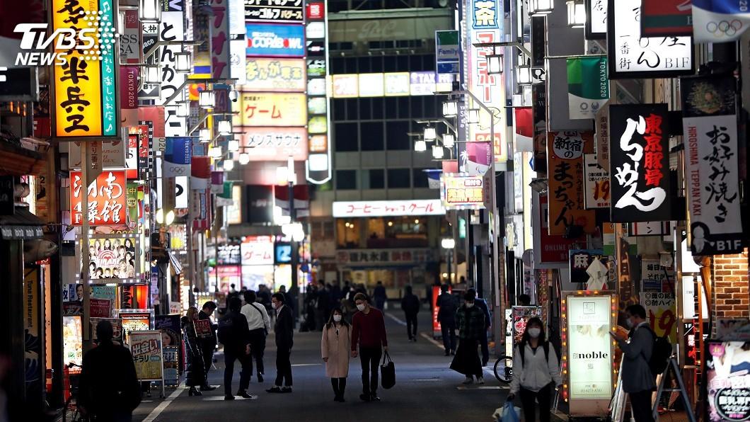 圖/達志影像路透社 東京疫情緊張 政府籲請酒店、電影院暫時歇業