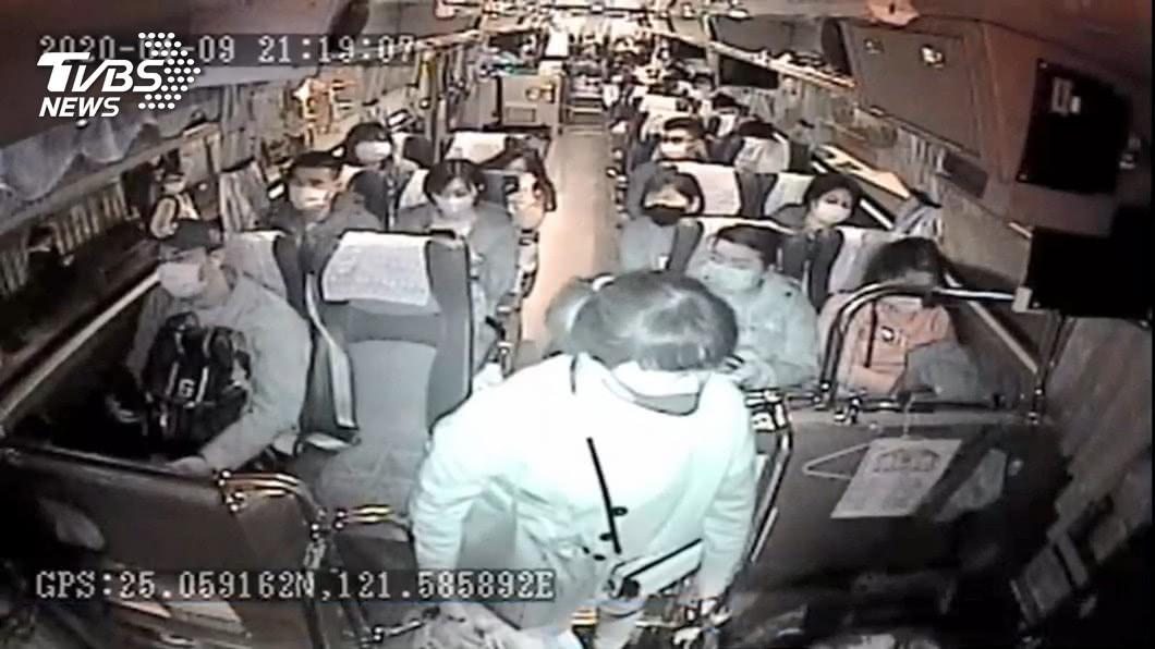 國道客運當公車!女搭短程遭拒 怒槓司機