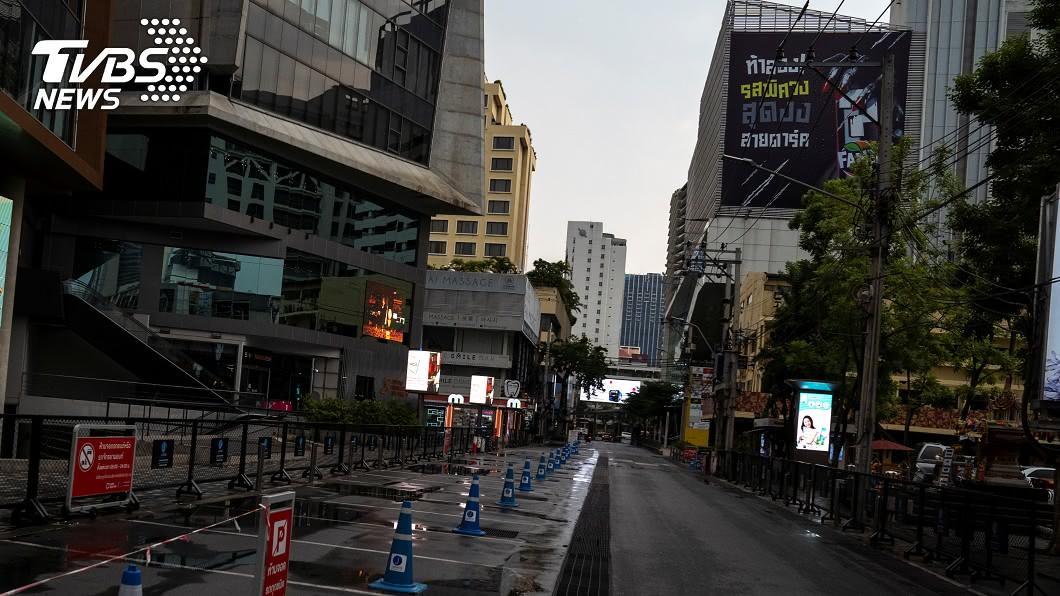 圖/路透社 泰國最冷清潑水節 青少年狂歡直播遭取締