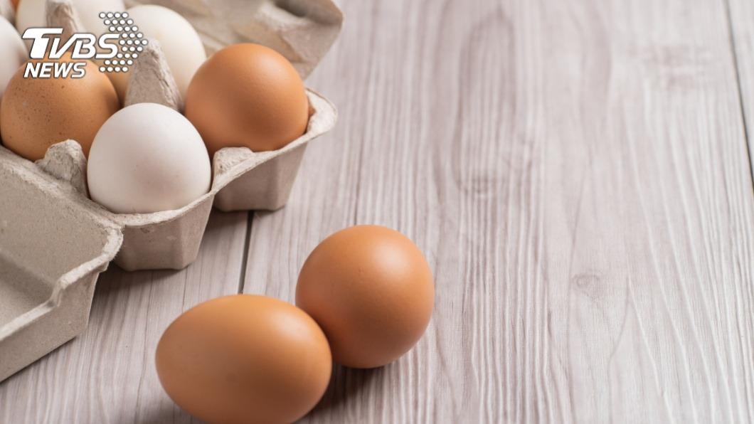 岳母送的雞蛋像凹凸乒乓球。(示意圖/TVBS) 岳母送雞蛋像「凹陷乒乓球」⋯網驚:2千隻雞只產5顆