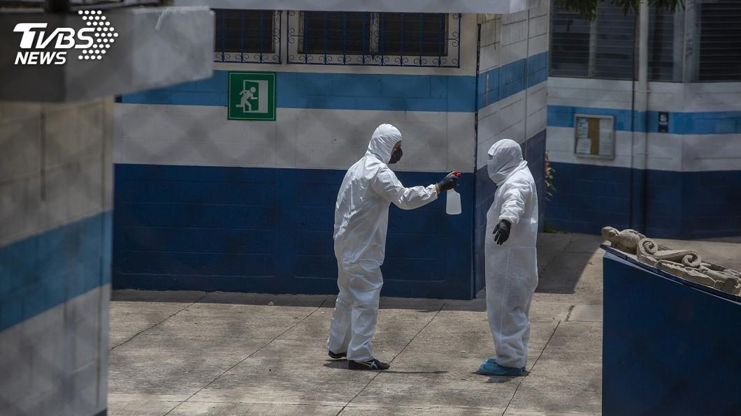 圖/達志影像美聯社 美遣返移民班機成病毒傳播溫床 瓜地馬拉喊卡