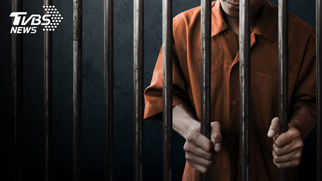 英國1名青少年殺害隔壁鄰居奶奶,遭法院判處終身監禁。(示意圖/TVBS) 變態男想成為吸血鬼 殺害9旬鄰居奶奶挖心飲血