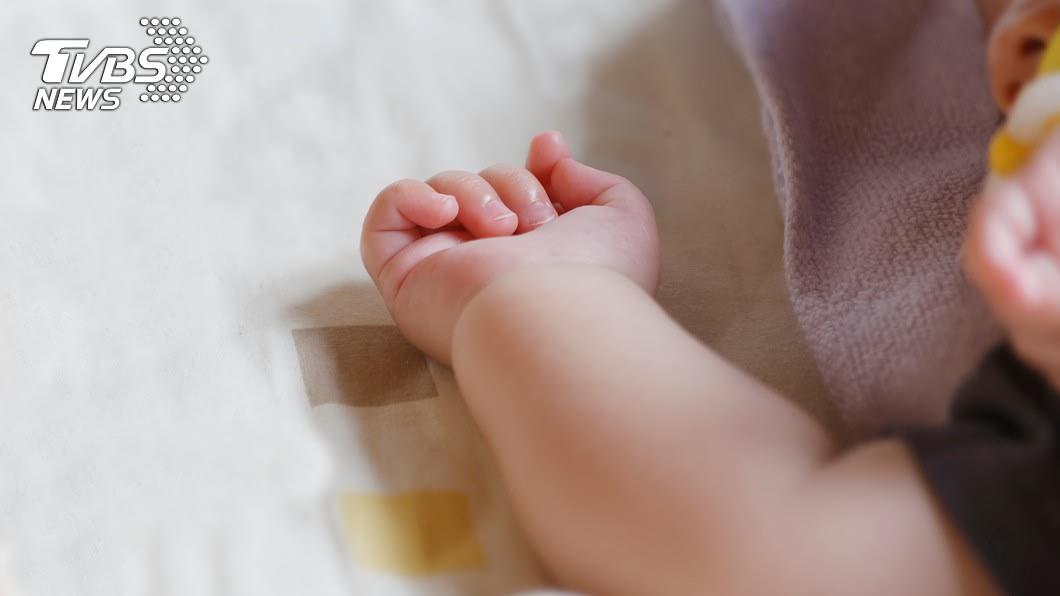 (示意圖,與事件無關/TVBS) 確診孕婦痊癒後分娩 女嬰一出生竟「自帶抗體」