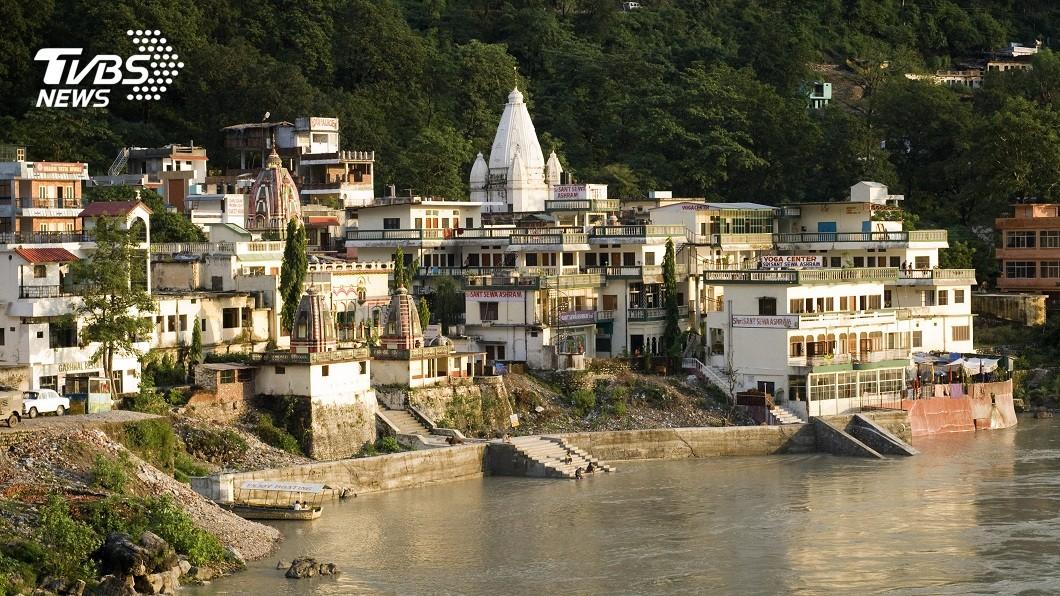 印度官方自上月24日起宣布封城。(圖/達志影像美聯社) 印度封城阻疫情擴散 6外籍客沒得躲住洞穴20多天