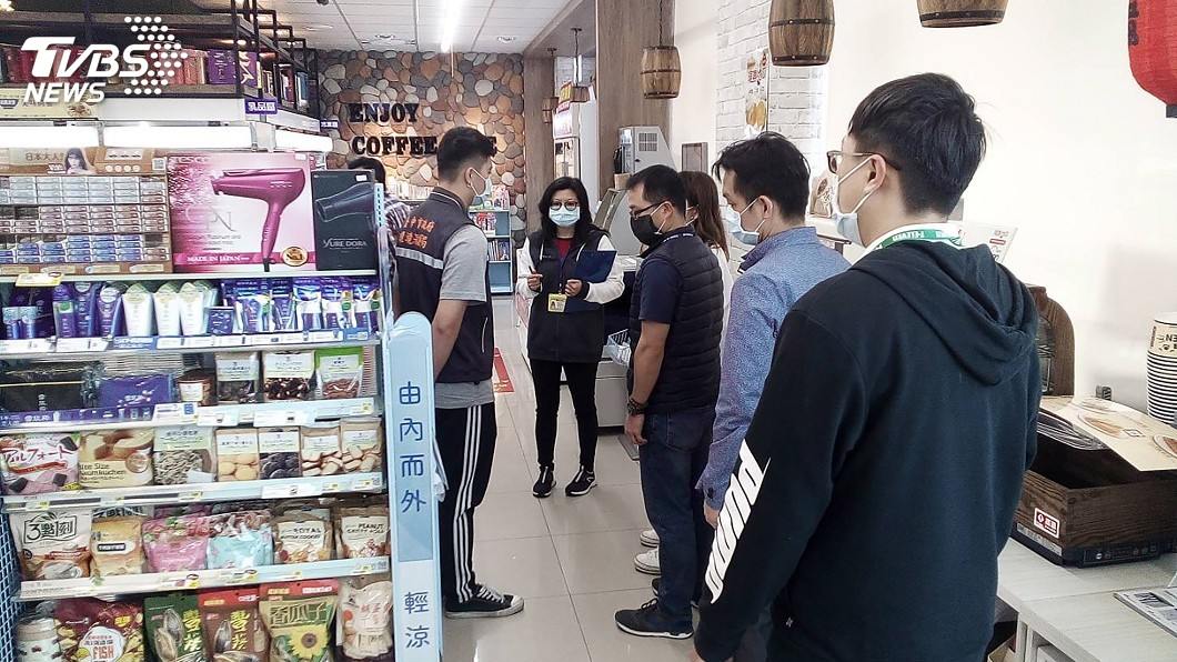 圖/台中市政府提供 敦睦艦確診者一中商圈超商足跡點 完成消毒復業