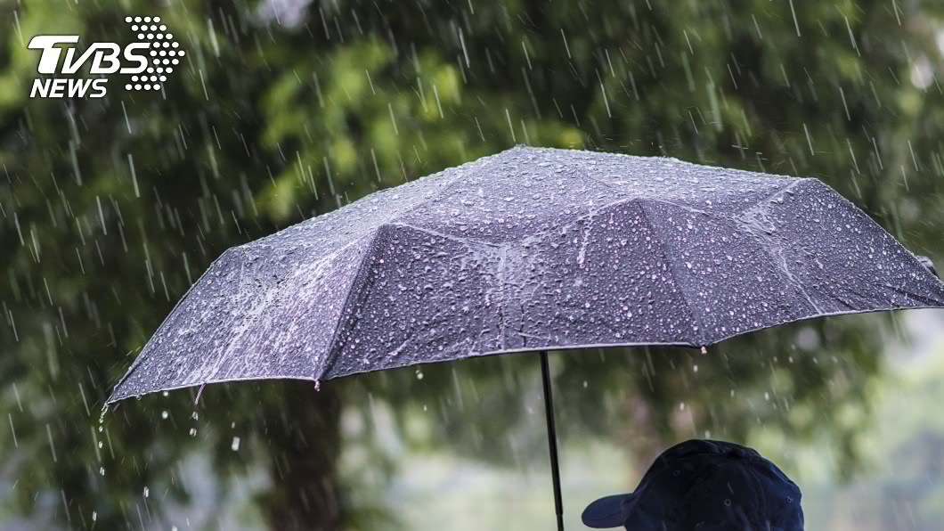 中央氣象局持續針對14縣市發出豪雨及大雨特報。(示意圖/TVBS) 對流雲系發展旺盛 北北基等14縣市注意豪大雨