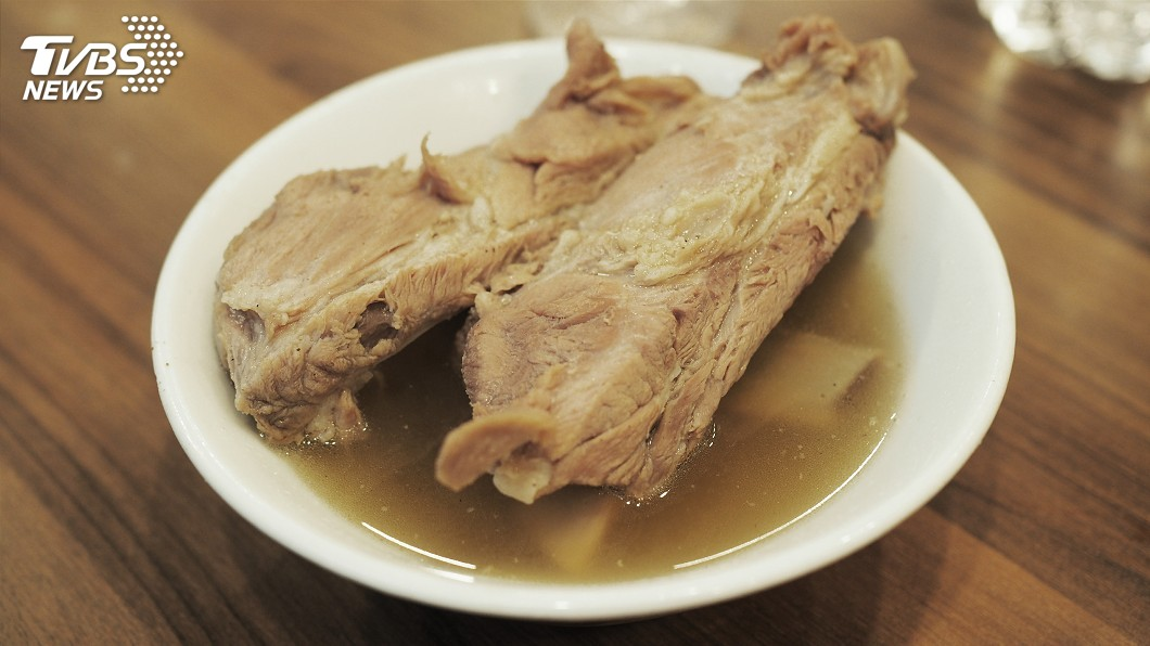 示意圖/TVBS 違反居家令跑去吃肉骨茶 新加坡男子被判刑6週