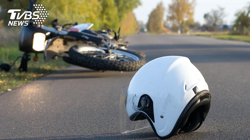 (示意圖,非當事人。圖/TVBS) 房仲下班騎車自摔怪「超時工作」害的 怒告店長結果出爐