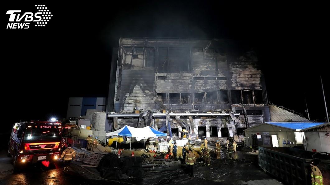 圖/達志影像美聯社 韓國利川倉庫大火已知38死 疑與電梯施作有關