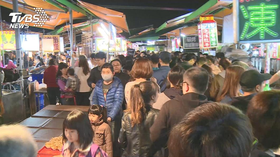 端午連假各地夜市、商圈人潮回流。(示意圖/TVBS) 端午連假起跑 台北市夜市預估消費人潮回流
