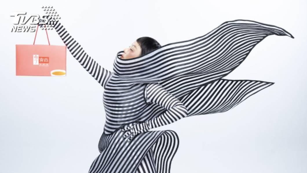 藍心湄代言享食尚滴雞精。圖/TVBS 時尚教主藍心湄  出門竟遭媽碎唸 「睡衣style」