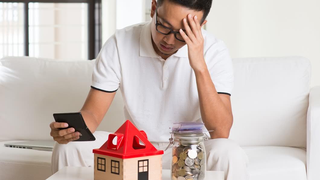 買房是許多年輕人的夢想。(示意圖/shutterstock達志影像) 自不量力?女賺28K要男友買透天厝 怨公寓不如不住