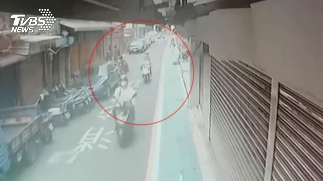 圖/TVBS 救命!住同學家「弄亂房間」 遭友持刀砍傷