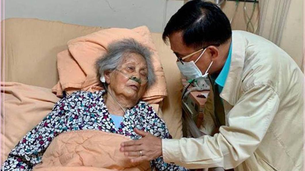 (圖/翻攝自陳水扁臉書) 媽媽病危多次進出醫院 阿扁嘆:或許是最後一次母親節